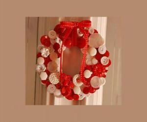 Adventskranz gemacht mit Knöpfen und einer roten Schleife puzzle