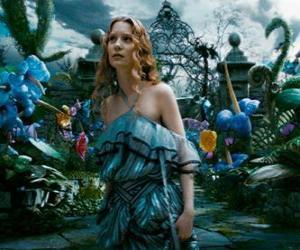 Alice (Mia Wasikowska) im Wunderland puzzle