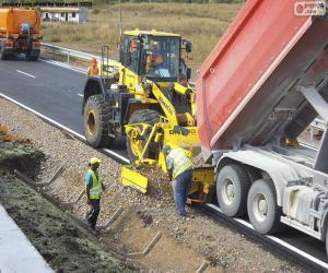 Arbeitnehmer, die auf einer Autobahn puzzle