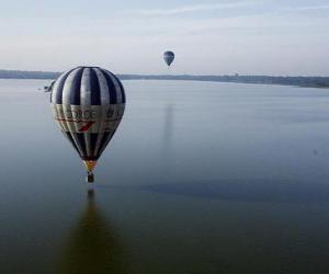 Ballon-Flüge über Wasser puzzle