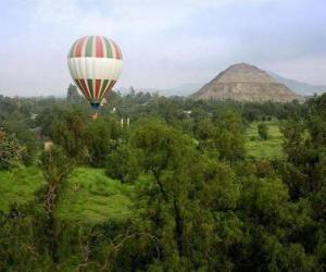 Ballon in der Landschaft mit Passagieren puzzle