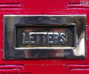 Briefkasten an einer roten Tür puzzle