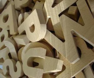 Buchstaben aus holz puzzle