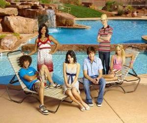 Chad (Corbin Bleu), Taylor (Monique Coleman), Gabriella Montez (Vanessa Hudgens), Troy Bolton (Zac Efron), Ryan Evans (Lucas Grabeel), Sharpay Evans (Ashley Tisdale) sur strandseite puzzle