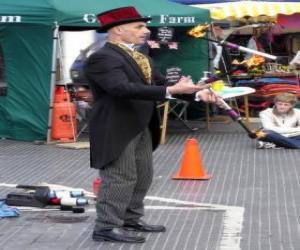 Clown indem man jonglieren macht puzzle