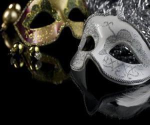 Die Masken für die Feier der Silvesternacht  puzzle