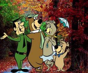 Die Protagonisten der Abenteuer: Yogi Bär, Boo-Boo, Cindy und der Park Ranger Smith puzzle
