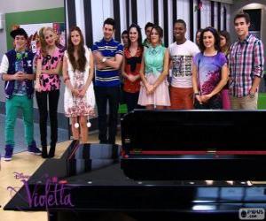 Einige der Figuren von Violetta 2 puzzle