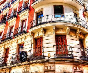 Fassade, die Gebäude in Madrid puzzle