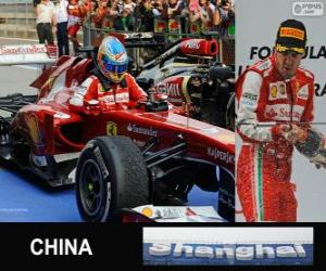 Fernando Alonso feiert seinen Sieg im Grand Prix von China 2013 puzzle
