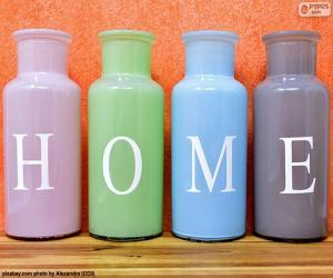 "Flaschen ""HOME"" puzzle"
