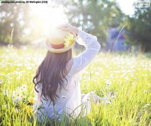 Frau im Frühling auf dem Feld puzzle