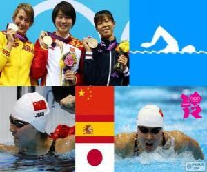 Frauen 200 m Schmetterling Schwimmen Podium, Jiao Feuerwerksfabriken (China), Mireia Belmonte (Spanien) und Natsumi Koshi (Japan) - London 2012- puzzle