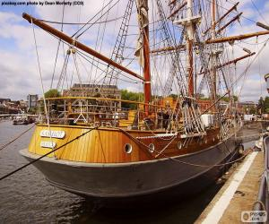 Hölzerne Segelschiff puzzle