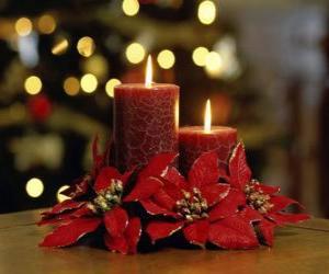 Kerzen als Kernstück mit Weihnachten Blumen geschmückt puzzle