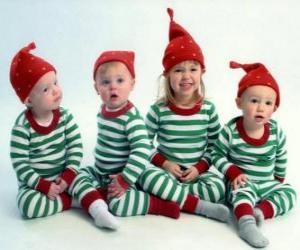 Kinder bis zu Weihnachten gekleidet puzzle