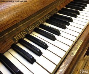 Klassische Klaviertasten puzzle