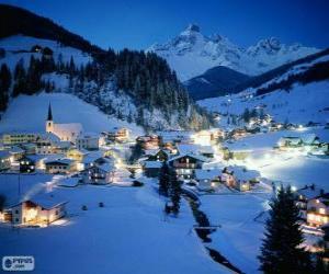 Kleine Stadt ganz auf Weihnachten geschneit puzzle