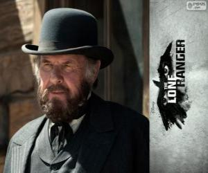 Latham Cole (Tom Wilkinson) in dem Film Lone Ranger puzzle
