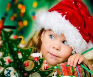 Mädchen bereitet die Weihnachtsfeiertage puzzle