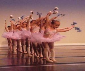 Mädchen tun ballett puzzle