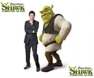 Mike Myers bietet die Stimme des gestiefelten Kater in der neueste Film Für immer Shrek puzzle