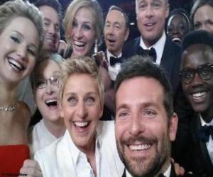 Oscars 2014, selfie puzzle