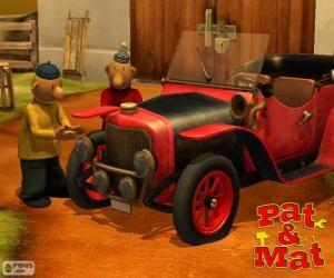 Pat und Mat neben seinem Auto puzzle