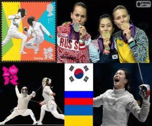 Podium Fechten Damen einzelne Sabre, Kim Ji-Yeon (Südkorea), Sofia Velikaya (Russland) und Olga Jarlan (Ukraine) - London 2012- puzzle
