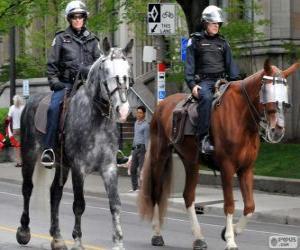 Polizisten auf dem Pferderücken puzzle
