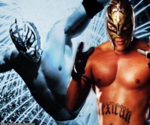 Professional Wrestler mit einer Maske für den Kampf vorbereitet wird, ist Wrestling ein Sport zeigen puzzle