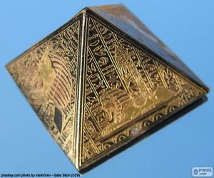Quadratische Basis Pyramide puzzle
