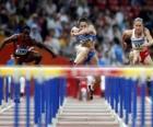 Hürdenlauf, sportler ein hindernis zu springen