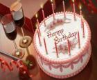 Geburtstagstorte mit kerzen beleuchtet