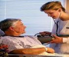 Medizinisch oder doktor einen patienten