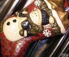 Weihnacht-stiefel voll der geschenke und ornamenten