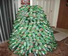 Weihnachtsbaum aus Getränkedosen