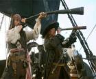 Kapitän der Piratenschiff gerade ein anderes Schiff mit dem Teleskop
