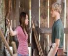 Miley Stewart (Miley Cyrus) spricht mit Travis Brody (Lucas Till)
