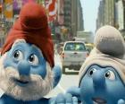 Papa Schlumpf und Clumsy, die Straßen von Manhattan. - Die Schlümpfe, film -