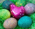 Nest von Ostern, Rosa Henne und sechs Eier von Farben