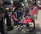 Santander Cycles, bekannt als Boris Bikes ist der Verleih von öffentlichen Fahrrädern in der City of London
