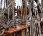 Seilen und Umlenkrollen des Bootes
