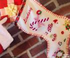 Weihnachtssocke und Geschenk