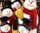 Fünf Schneemänner