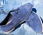Blaue Herrenschuhe