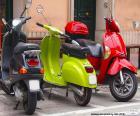 Drei Motorroller