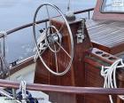 Das Rad des Ruders eines Segelbootes puzzle