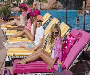 Ryan Evans (Lucas Grabeel), Sharpay Evans (Ashley Tisdale) in den Pool puzzle