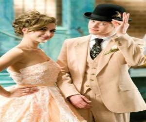 Ryan Evans (Lucas Grabeel) entlang Kelsi Nielsen (Olesya Rulin) in der musikalischen puzzle